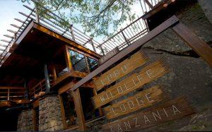 Lobo Wildlife Lodge Entrance