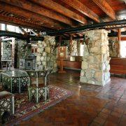 Lobo Lodge