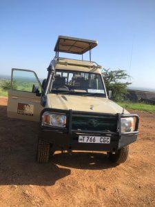 Tanzania safari pop-up roof